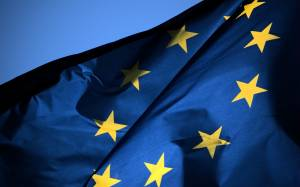 Κομισιόν: Πιο χαμηλά ο πήχης για την ανάπτυξη στην Ευρωζώνη