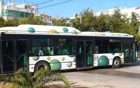 Υποχρεωτική επιβίβαση σε λεωφορεία και τρόλεϊ από την μπροστινή πόρτα