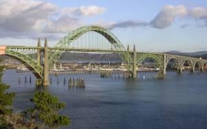 Σκότωσε τον 6χρονο γιο της πετώντας τον από μια γέφυρα