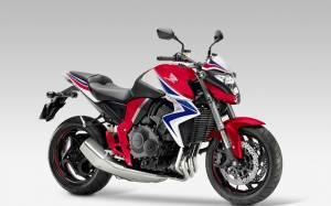 Honda: Το CB1000R του 2015