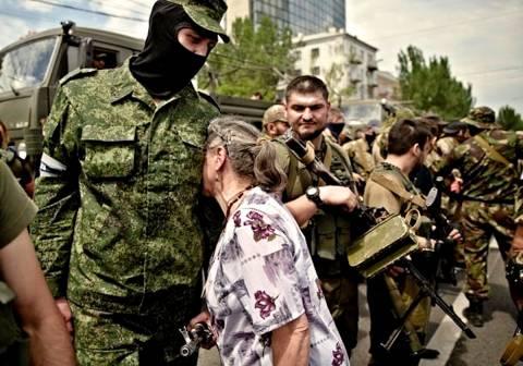 Ρωσικά συλληπητήρια για τους νεκρούς στο Ντονέτσκ