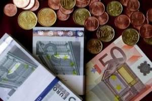 «Μαύρο» στο ευρώ ρίχνουν οι Πολωνοί
