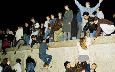 Τα 25 χρόνια από την πτώση του Τείχους γιορτάζει το Βερολίνο