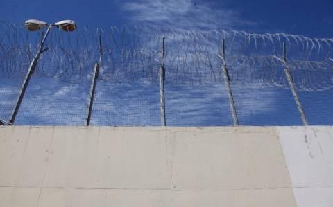 Στη φυλακή οι συλληφθέντες για το καρτέλ κοκαΐνης στη Βούλα