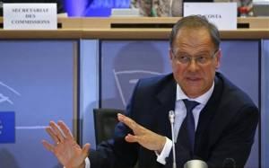 Le Monde: Κατακραυγή για το διορισμό επιτρόπου για πολιτισμό