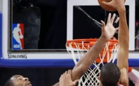 NBA: Τρομερό κάρφωμα από Αντετοκούνμπο