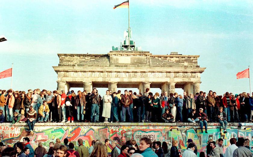 Η πτώση του Τείχους του Βερολίνου σε εικόνες