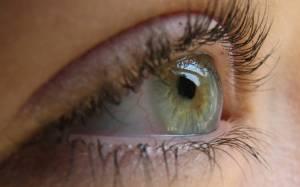 Τι συμβαίνει όταν «πετάει» το μάτι