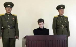 Στις ΗΠΑ επέστρεψαν Αμερικανοί που κρατούνταν στη Β. Κορέα