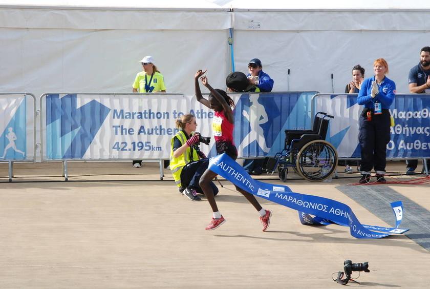 Mαραθώνιος 2014: Νικήτρια η Ναόμι Μάγιο (pics)