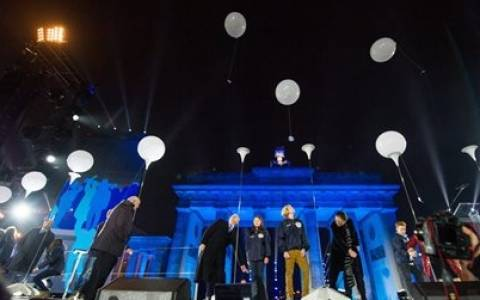 Telegraph: Τα 25 χρόνια από την πτώση του Τείχους