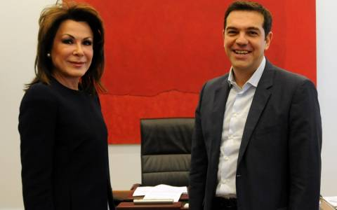 Tsipras meets with Gianna Angelopoulos