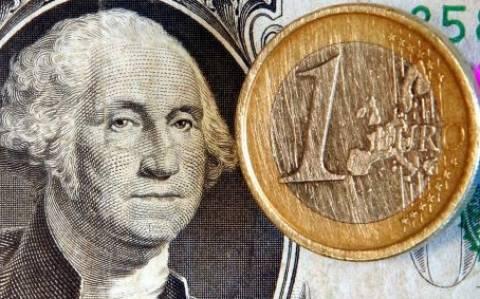 Στα 1,2486 η ενδεικτική ισοτιμία ευρώ/δολαρίου