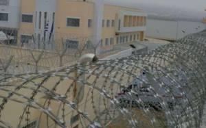 Οι γονείς των «Πυρήνων» ζητούν «γκρέμισμα» των φυλακών