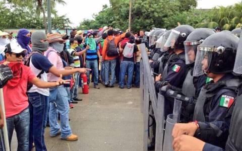 Μεξικό: 11 τραυματίες σε συγκρούσεις διαδηλωτών- αστυνομίας