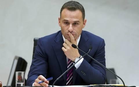 Παραίτηση προέδρου Κοινοβουλίου για προσβολή δημοσίας αιδούς