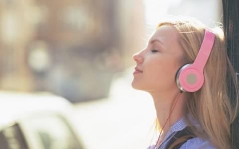 Και όμως, η μουσική καταπολεμά την κατάθλιψη στους νέους!