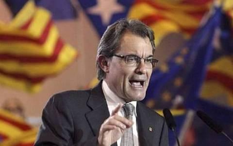 Μόνιμο διάλογο στη Μαδρίτη προτείνει ο Αρτούρ Μας