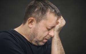 Μόνιμοι πονοκέφαλοι: Για ποιες παθήσεις προειδοποιούν