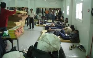 Δουλέμποροι αποβίβασαν 52 μετανάστες στα Γιούρα