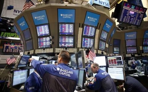 Οριακή άνοδος και νέα ρεκόρ στη Wall Street