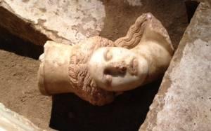Θέμελης - «Δεν είναι αυτός ο επίσημος νεκρός της Αμφίπολης»