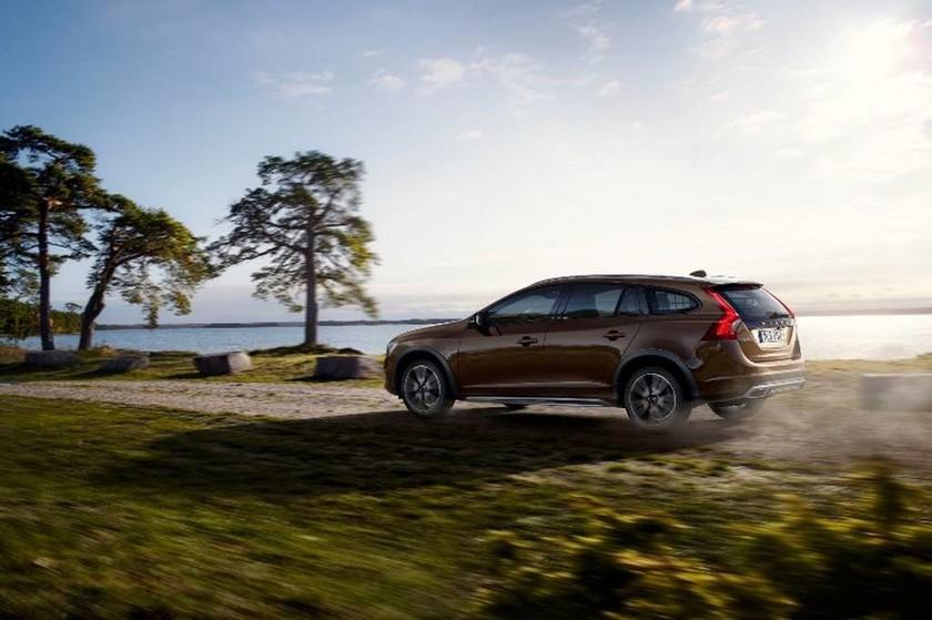 Volvo: V60 Cross Country το περιμένουμε στην Ευρώπη στις αρχές του 2015