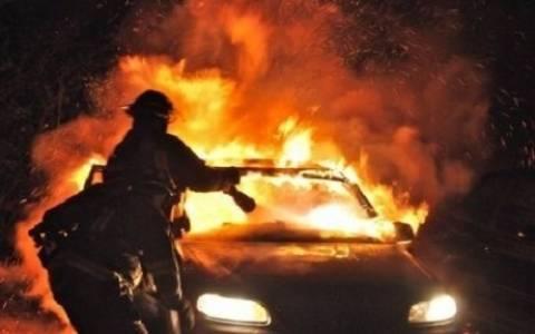 Φωτιά σε αυτοκίνητο στον Πειραιά