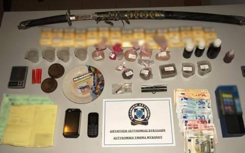 Δύο συλλήψεις για διακίνηση ναρκωτικών στη Μύκονο (Photos)