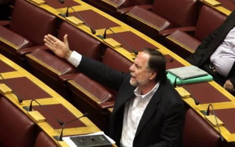 Ονομαστική ψηφοφορία για τα «κόκκινα» δάνεια ζητά το ΠΑΣΟΚ