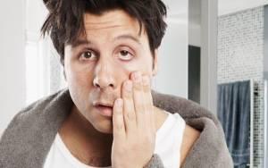 Πέντε καθημερινές συνήθειες που κουράζουν το πρόσωπό σου