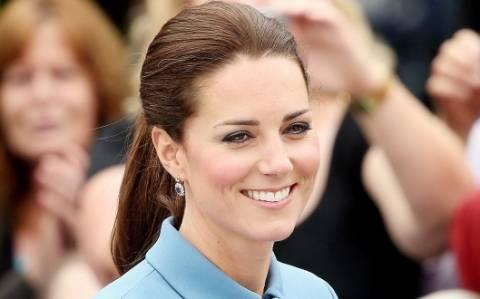 Ζώδια και αστέρια: Ολόγυμνη η εγκυμονούσα Kate Middleton!