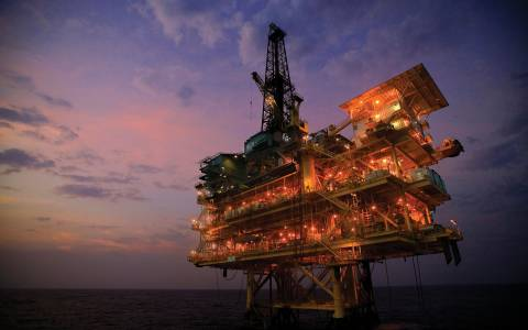 Ευλογία ή κατάρα τα ελληνικά πετρέλαια;