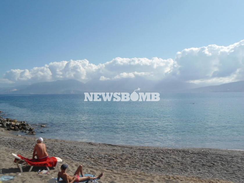 Τουρίστες επισκέπονται την Κρήτη ακόμα και το Νοέμβριο
