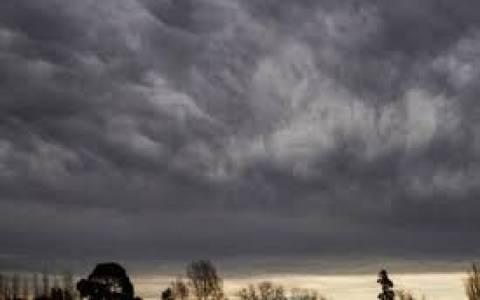 Άστατος καιρός με βροχές και καταιγίδες για το Σάββατο 15/11