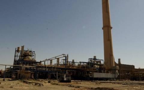 Το ΙΚ αποσύρθηκε από το μεγαλύτερο διυλιστήριο του Ιράκ