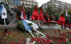 PAME completes march with laying of wreaths