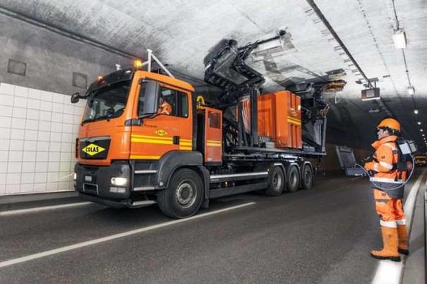 Δεν θα πιστεύετε τι όχημα καθαρίζει τα τούνελ (pics)