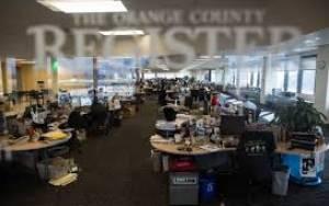Δημοσιογράφοι μοιράζουν εφημερίδες για... χαρτζιλίκι