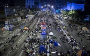 Χονγκ Κονγκ: Φθίνει η υποστήριξη προς τους διαδηλωτές