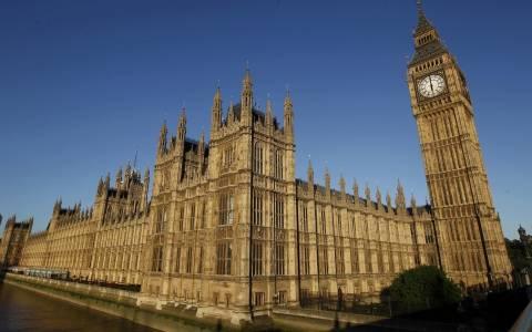 Βρετανία: Απειλή για βόμβα στο κοινοβούλιο