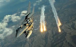 Διαδοχικές επιθέσεις κατά του ΙΚ από την αεροπορία των ΗΠΑ