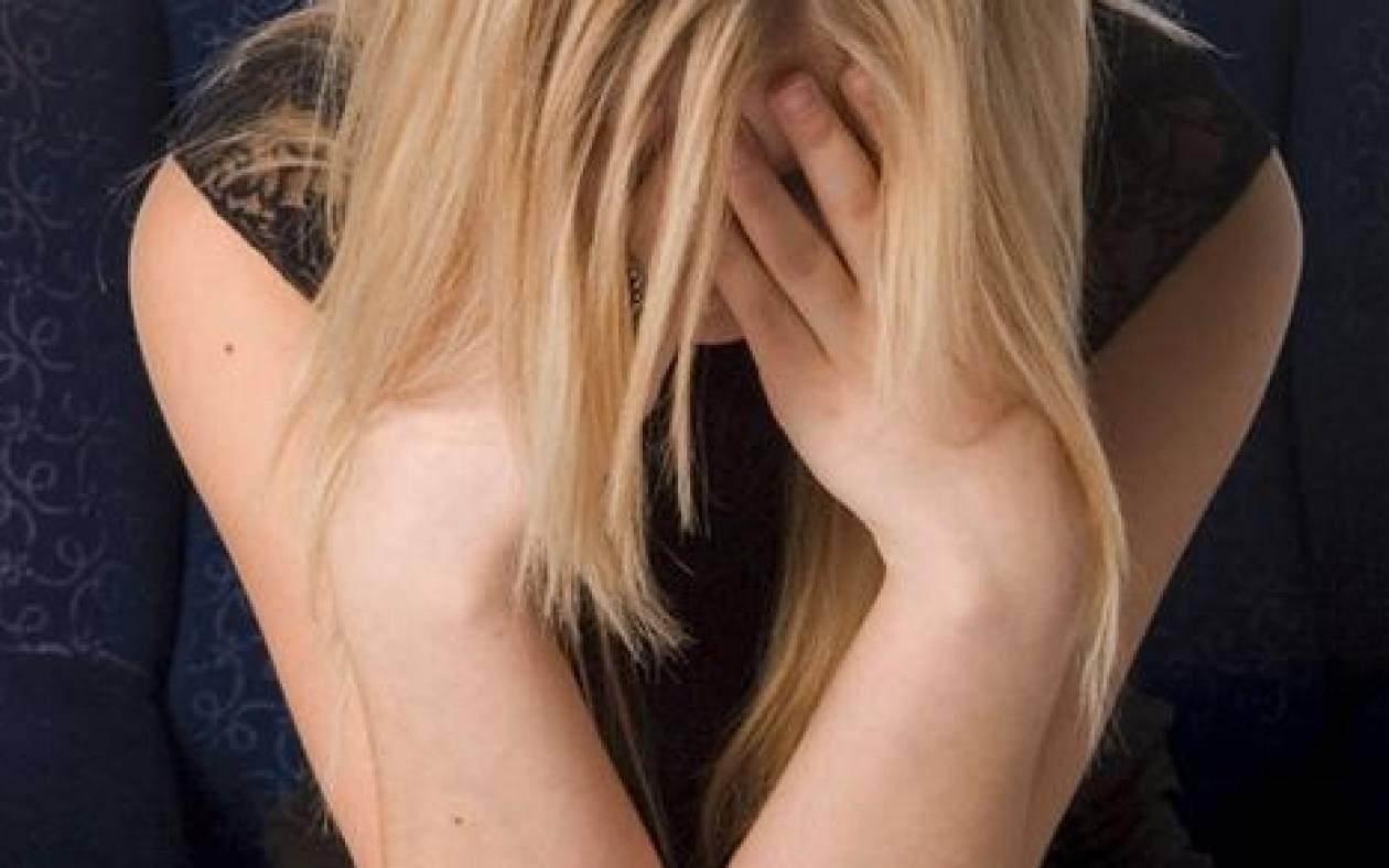 Κρατούσαν 18χρονη κοπέλα και την εξέδιδαν