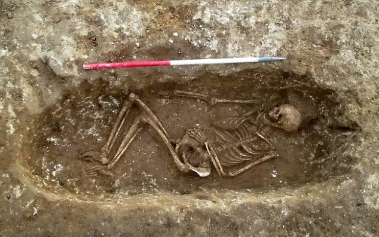 Βρέθηκαν σκελετοί που φόραγαν... κοσμήματα (pics)