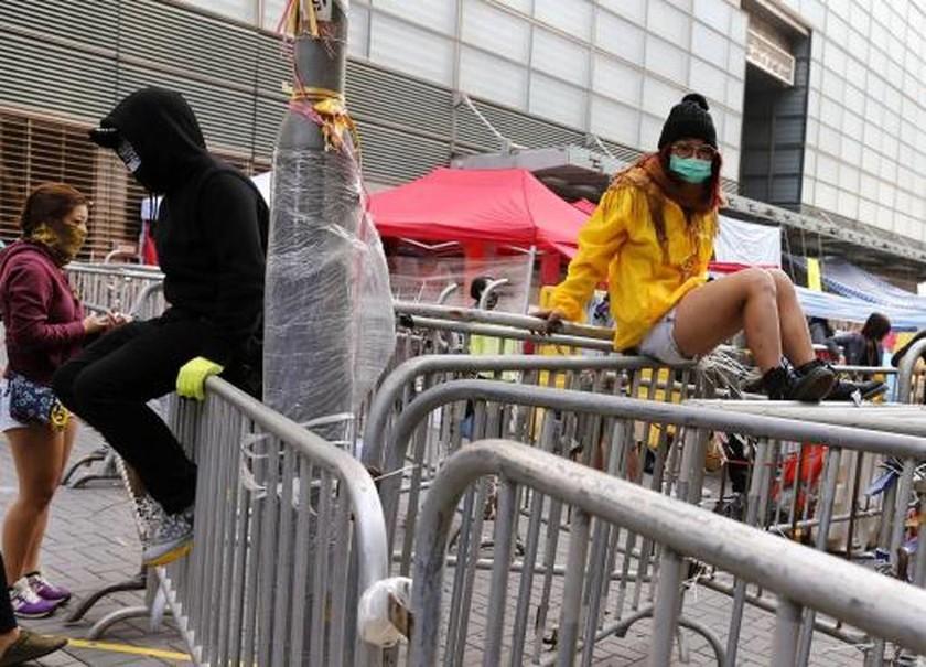 Χονγκ Κονγκ: Δικαστική απόφαση «ξήλωσε» τα οδοφράγματα