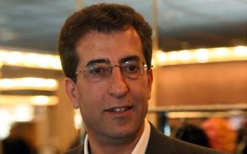 Καρύδης: Ο Γεωργιάδης ζητά να κατεβάσουμε τα παντελόνια