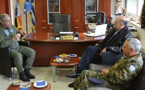 Επίσημη επίσκεψη ΥΕΘΑ στο Αρχηγείο Τακτικής Αεροπορίας