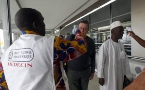 Έμπολα: Προσεβλήθη Κουβανός γιατρός στη Σιέρα Λεόνε