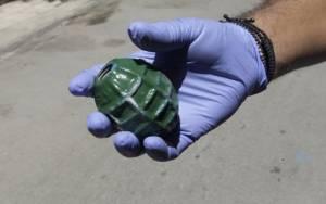 Βρήκαν χειροβομβίδα σε δρόμο στο Πέραμα