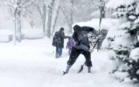 Γιατί οι άνθρωποι πεθαίνουν όταν φτυαρίζουν χιόνι;